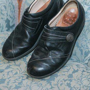 Finn Comfort Black Clogs